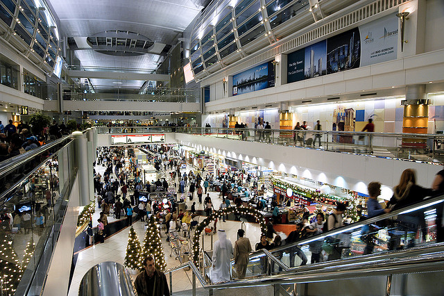 Dubai-International-Airport-Christmas
